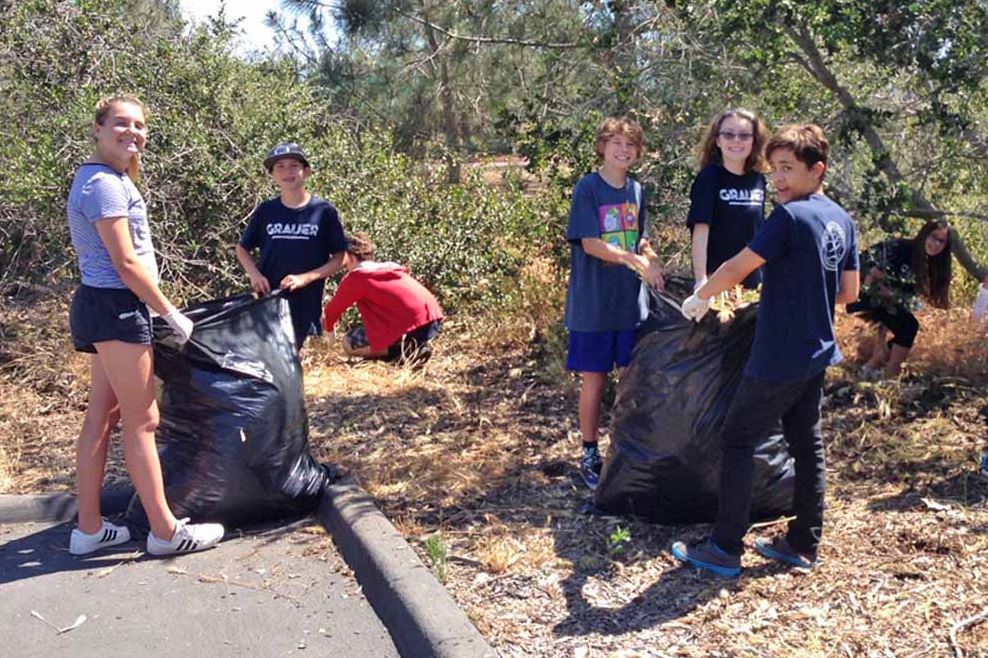 Grauer School students participating in community service in Encinitas